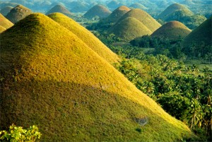Foto -  http://travel.spotcoolstuff.com/amazing-views/philippines-bohol/chocolate-hills