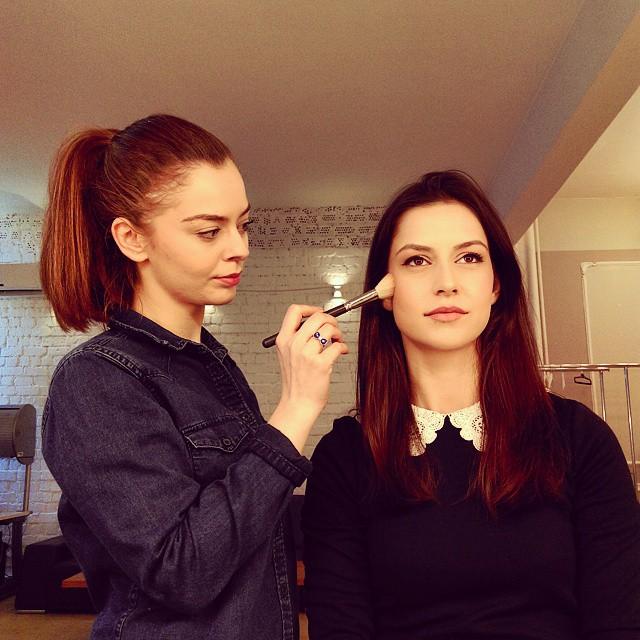20 de trucuri de la cursul de self make-up cu Alexandra Crăescu